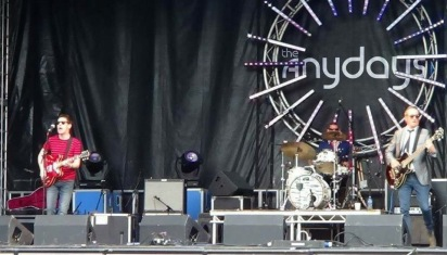 The Anydays on the main stage at Galtres alongside Ash, The Buzzcocks, Billy Bragg, Adam Ant etc. © The Anydays